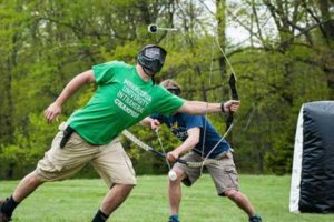 arschery tag pilbåge robin hood lagspel paintballtorpet bågskytte